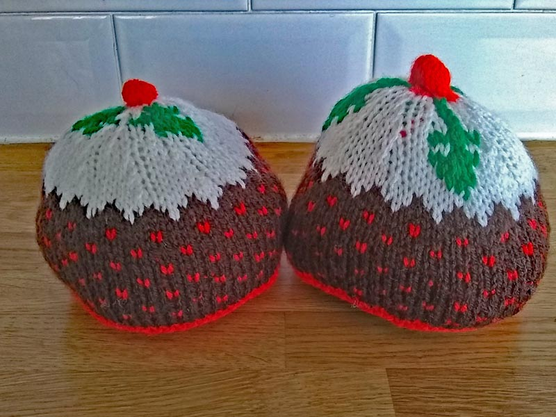 Knitted breasts for breastfeeding demonstration